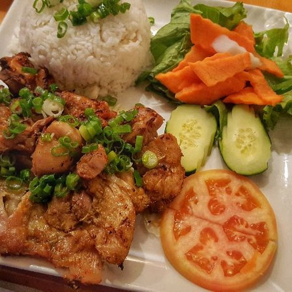 Grilled Lemongrass Chicken With Steamed Rice