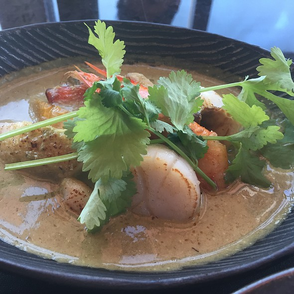 Thai Seafood Curry with Fish, Shrimp, and Scallops