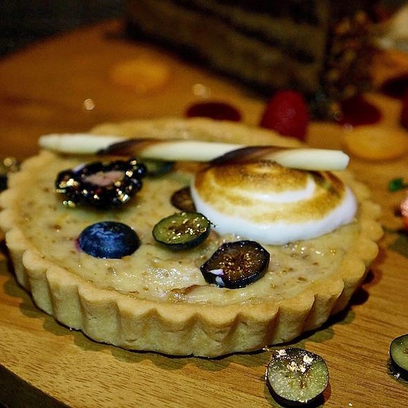 Lemon chanterelle mushroom tart, blueberries, honey meringue