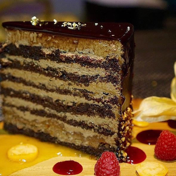 Chocolate Layer Cake @ Globe@YVR