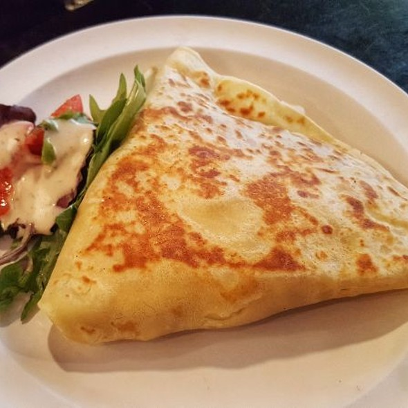 Savory Crepe With Mushroom, Spinach And Tomato... No Hollandaise Sauce.