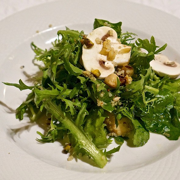 Ensalada Santé – mixed greens, quinoa, chickpeas, toasted nuts and seeds, grainy mustard vinaigrette
