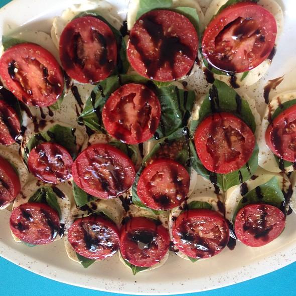 Overhead Mozzarella, Tomato & Spinach @ Home