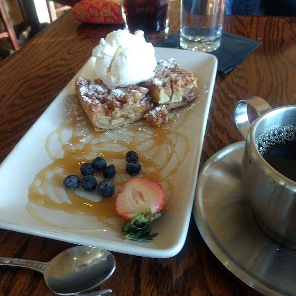 Apple tart @ Pier 77 Restaurant