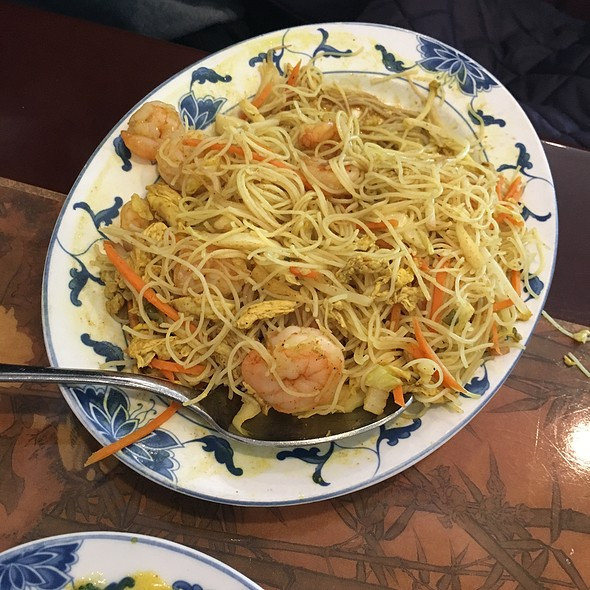 Curry Shrimp and Rice Noodles