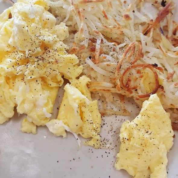 Eggs & Hashbrowns @ Avalon Diner