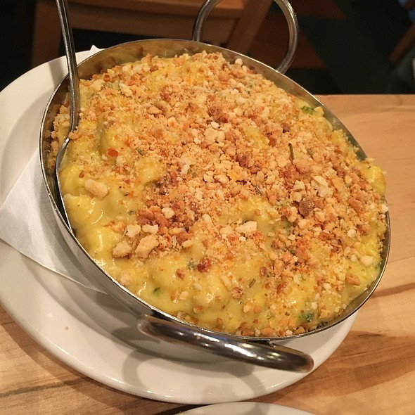 Green Chile Mac & Cheese @ The Post Brewing Co. - Rosedale
