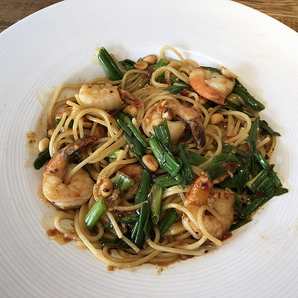 Kung Pao Spaghetti With Shrimp