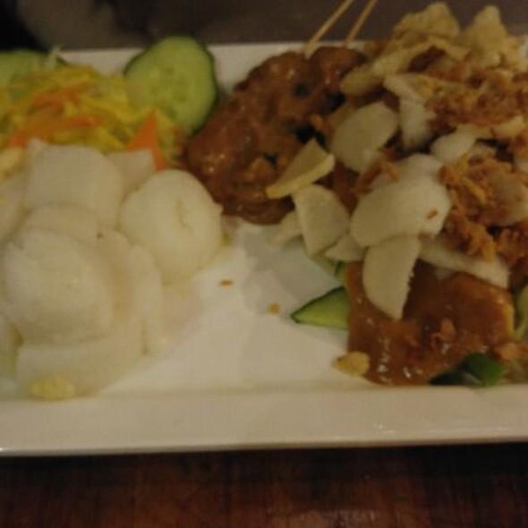 indonesian food Gado Gado