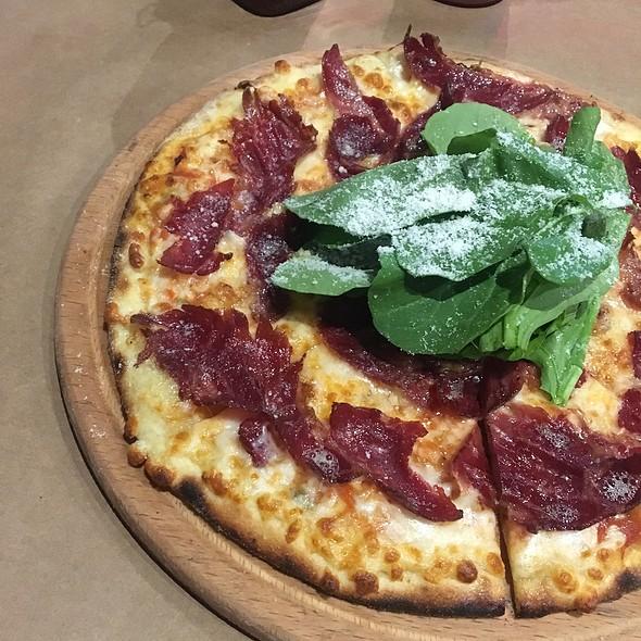 Füme Kaburgali Pizza