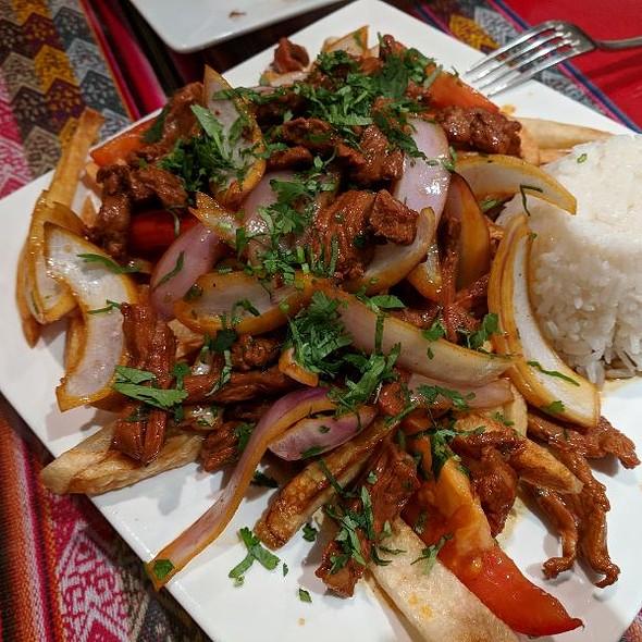 lomo saltado @ Grandma's Spanish Kitchen