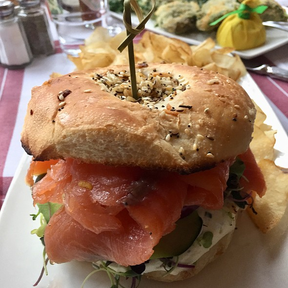 Bagel and Nova Lox sandwich