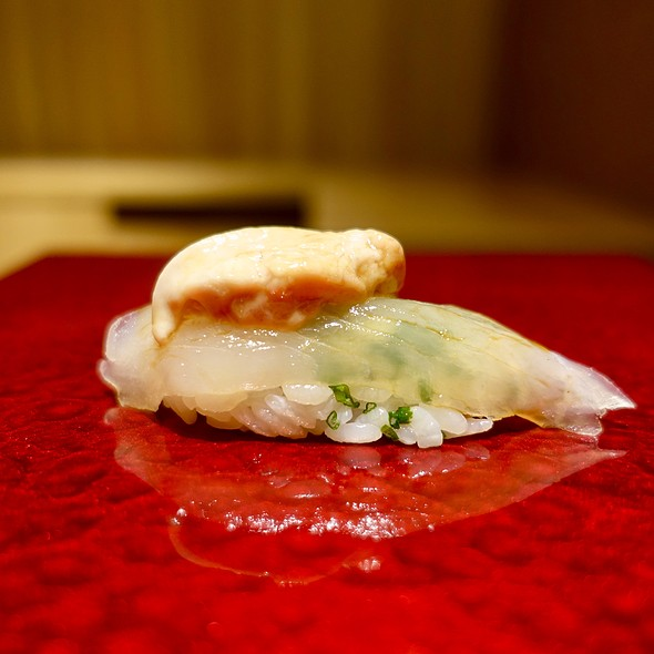 Kawahagi (Thread-Sail Filefish) Nigir with Liver