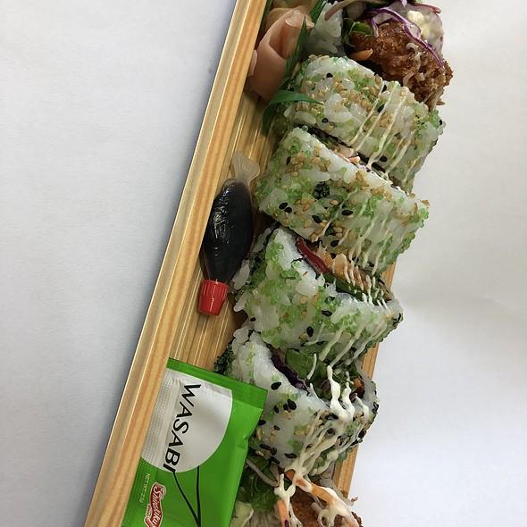 Katsu Chicken Uramaki Sushi (inside out)