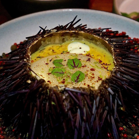Unicorn – sea urchin, grilled sweet corn pudding, sake aioli, chile de árbol, lime