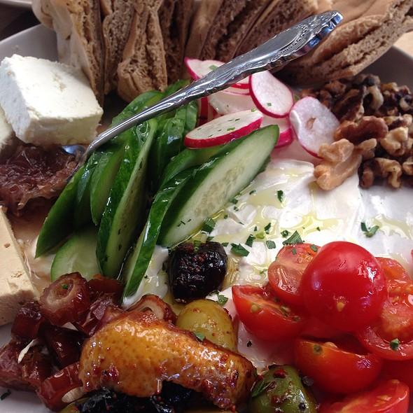 Mediterranean Breakfast @ Momed