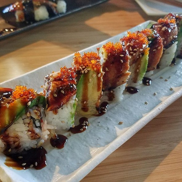 Double Dragon Roll @ Nori