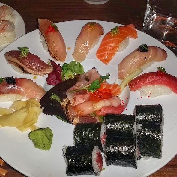 Assorted nigiri @ Red Sushi