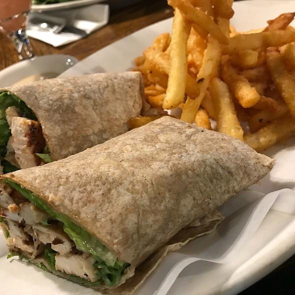 Chicken Caesar @ Comeketo Restaurant