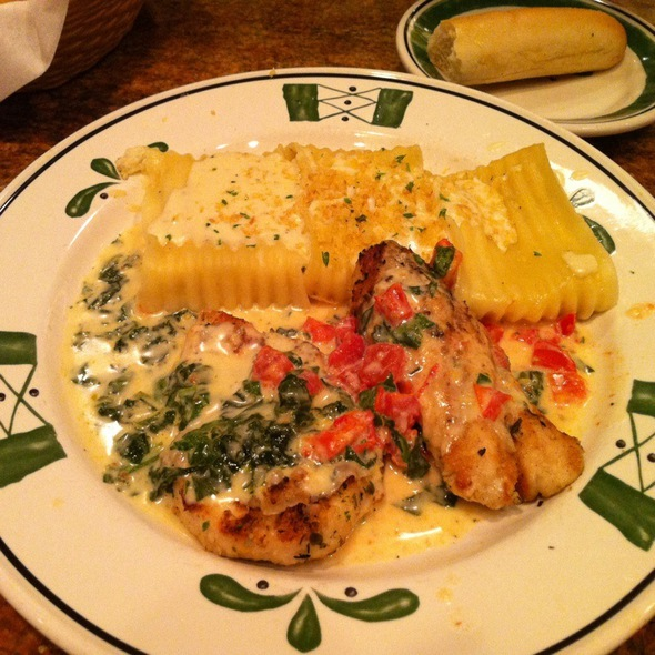 Four cheese pastachetti with grilled chicken @ Olive Garden Italian Restaurant