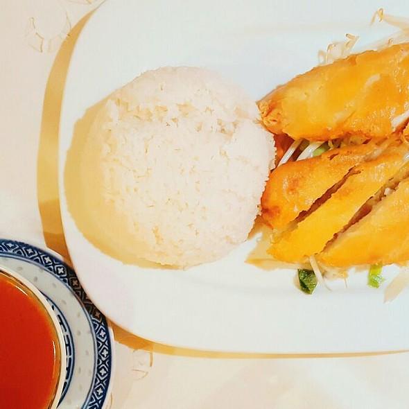 Knusprige Hühnerbrust Mit Süss-Sauer Sauce Und Reis