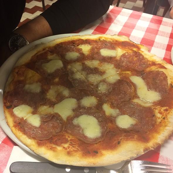 Pizza with Salami @ Da-portare-via