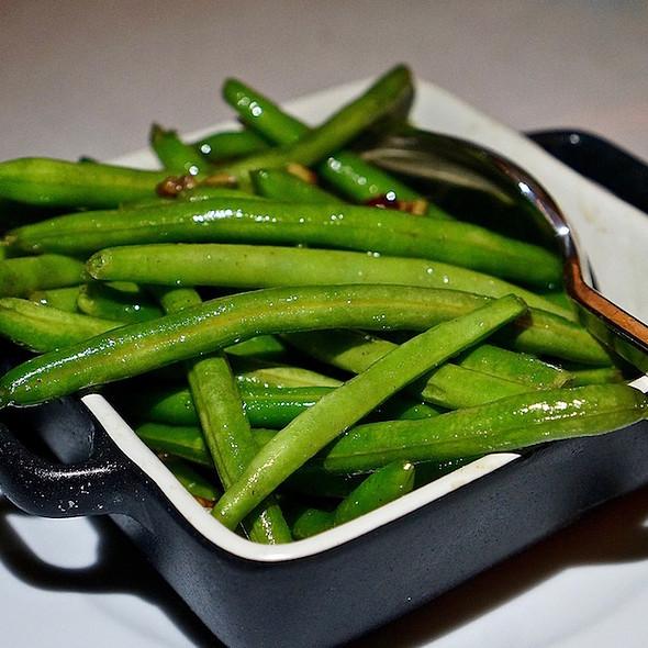 Spiced Pecan Green Beans