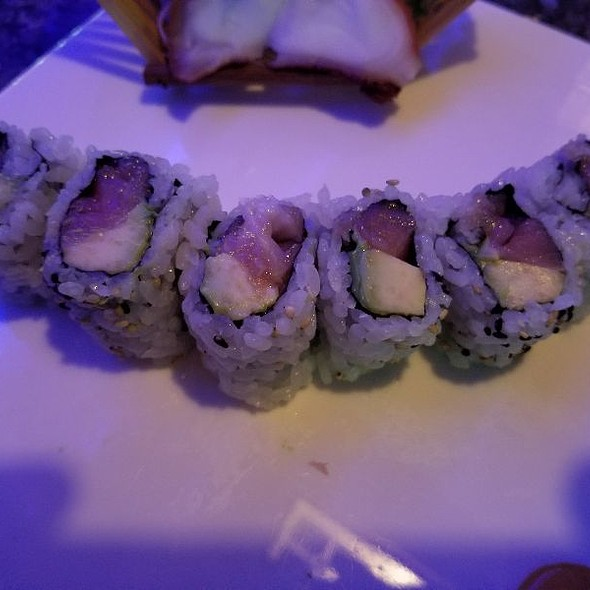 Tuna Avacado Roll