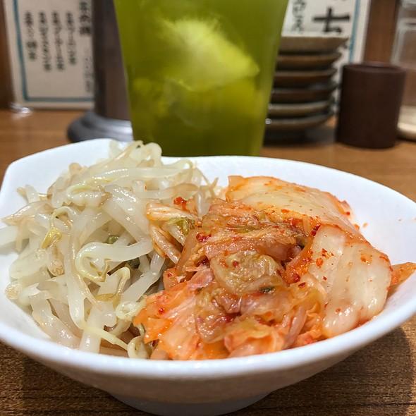 キムチもやしナムル @ まん天餃子 横浜店