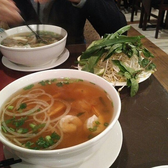 Pho With Beef And Shrimp