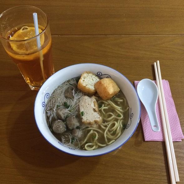 Mee Calong Beserah (Homemade Fishball Noodle Soup)