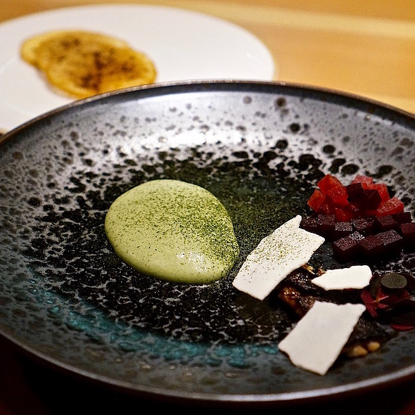 Herring, beets, parsley crème, dehydrated cream cheese, rye crisp