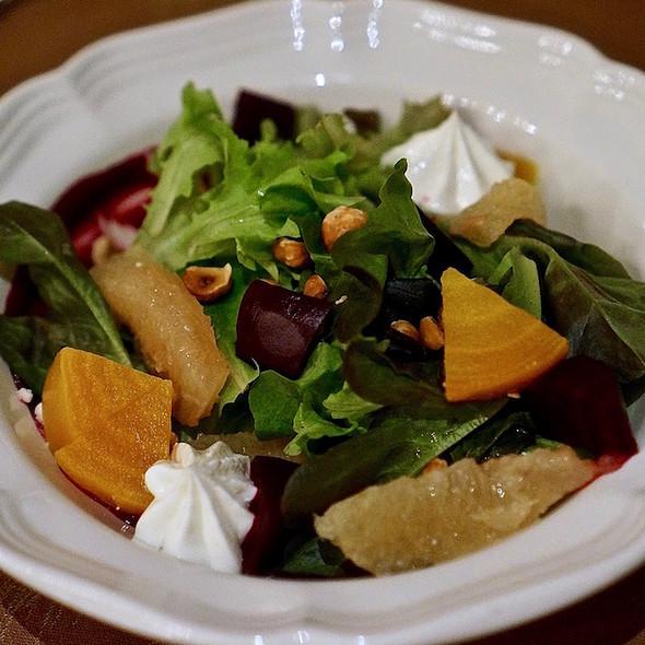 Beet salad, garden greens, hazelnuts, goat cheese, grapefruit