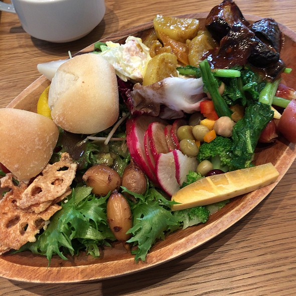 Selections from the Salad Buffet @ グリーングリル GREEN GRILL 渋谷店