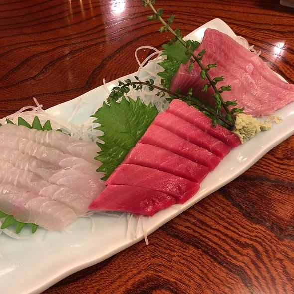 assorted sashimi @ 和食処 一隆