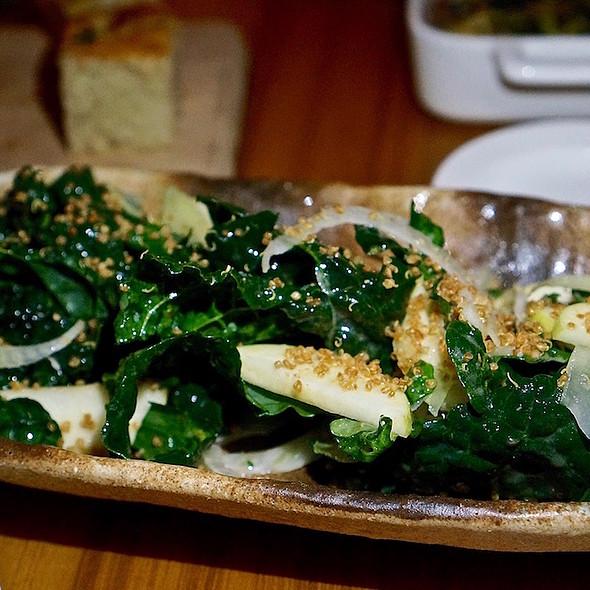 Tuscan kale, apple, fennel, crispy quinoa