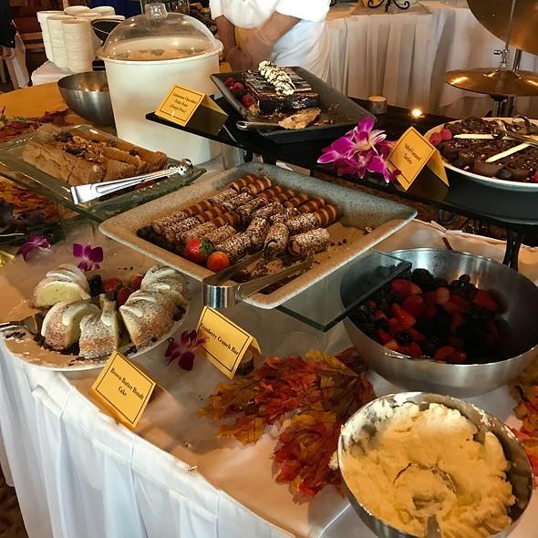 Desserts @ Garden Terrace At Inverness