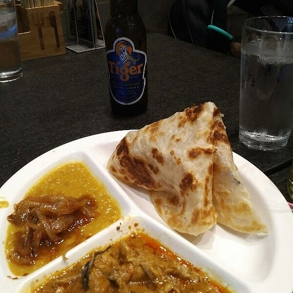 Roti Canai With Curry Chicken Set @ Food Terminal