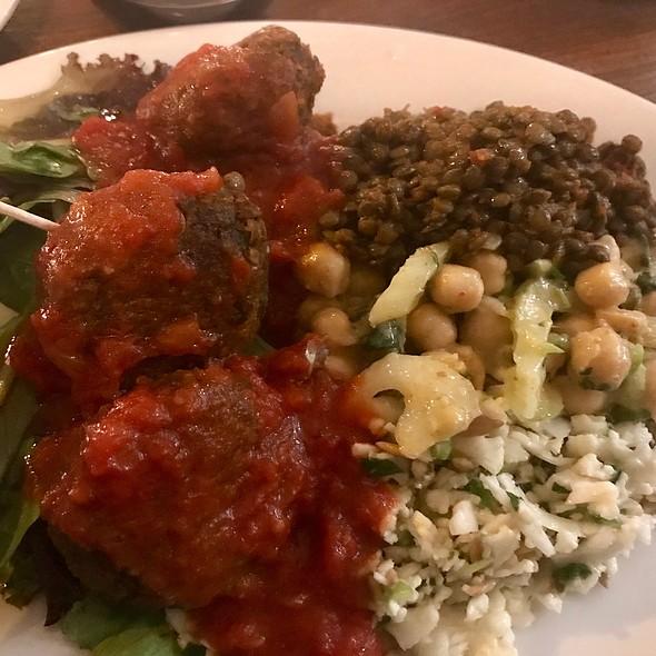 The Kitchen Sink W/ Vegan Meatballs & Sauce @ Meatball Shop
