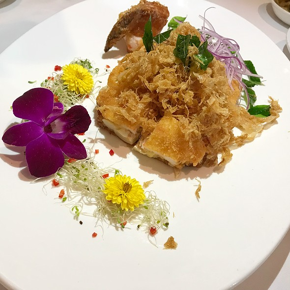 西施百花鸡 Prawn Paste coated Crispy Boneless Chicken in Spicy Plum Sauce  @ THE CHINESE RESTAURANT