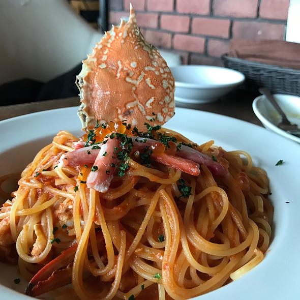 渡り蟹とイクラのトマトクリームパスタ @ Tapas Blanco みなとみらい店