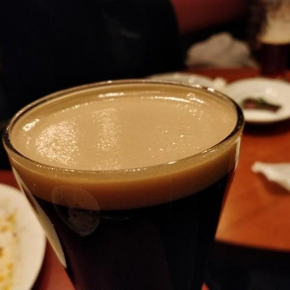 うしとらブルワリー / マシマシの黒 @ ビストロ酒場 クラフト クラフト