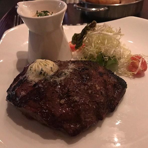 Grilled 10 oz. Angus Flat Iron Steak