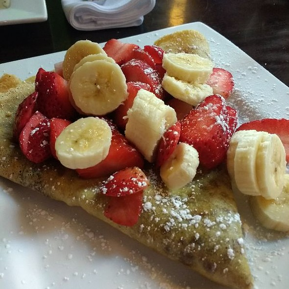 Nutella Filled Crepe With Bananas And Strawberries