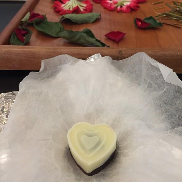 Pilot Honeymoon Chocolate @ Vedana Lagoon Resort & Spa Hue