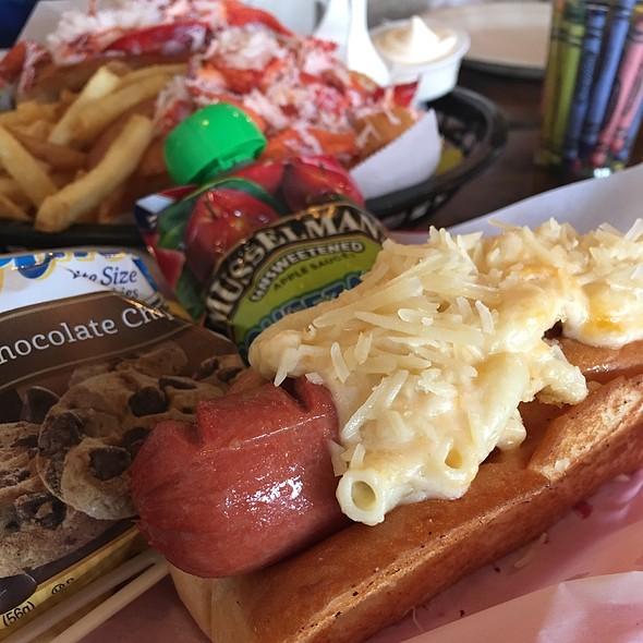 Mac Hot Dog