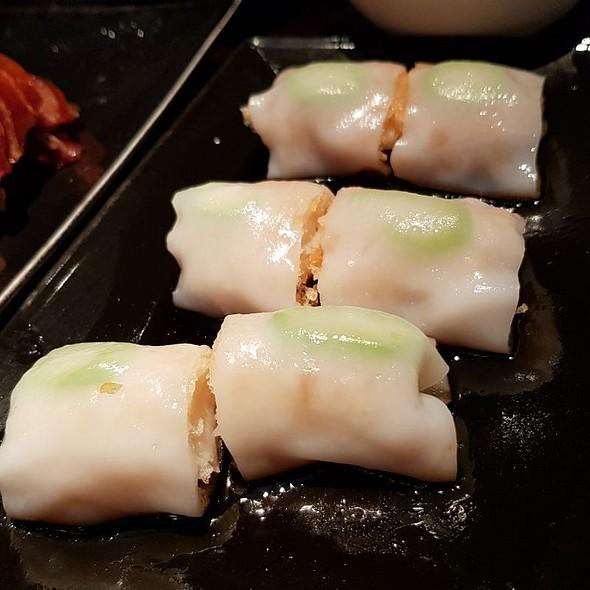Prawn, Crispy Rice Paper, Asparagus Steamed Rice Roll