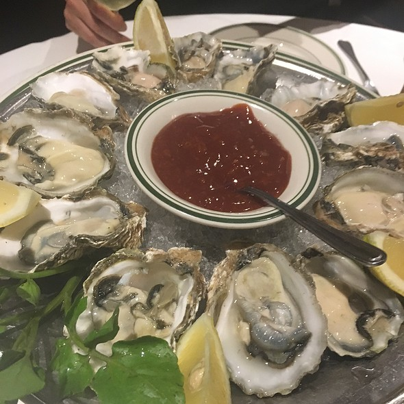 Dozen Oysters @ Wolfgang's Steakhouse