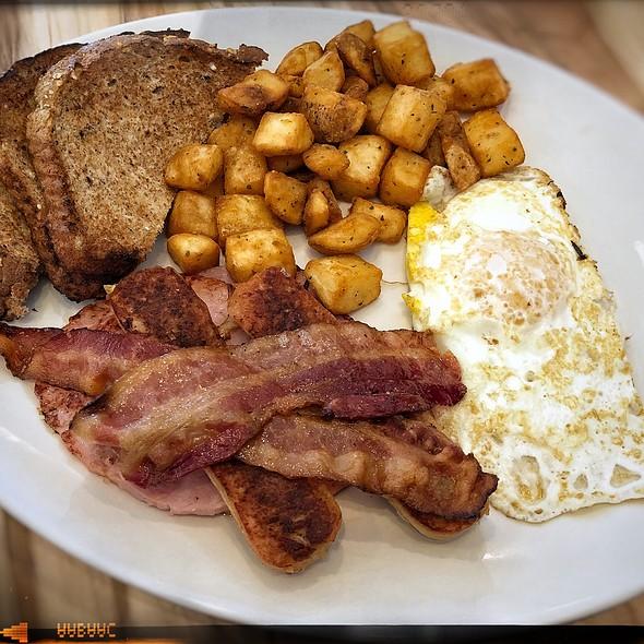 Hungry Man Breakfast @ Syl's Neighbourhood Kitchen