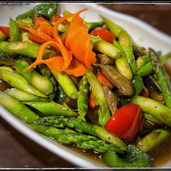 Stir-Fry Asparagus With Mushrooms @ My Thai Palace
